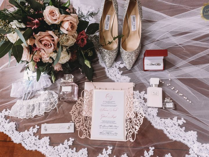 Tmx 121304033 1376082486057111 3822471070739609386 O 51 779555 161125572772597 Norristown, Pennsylvania wedding florist