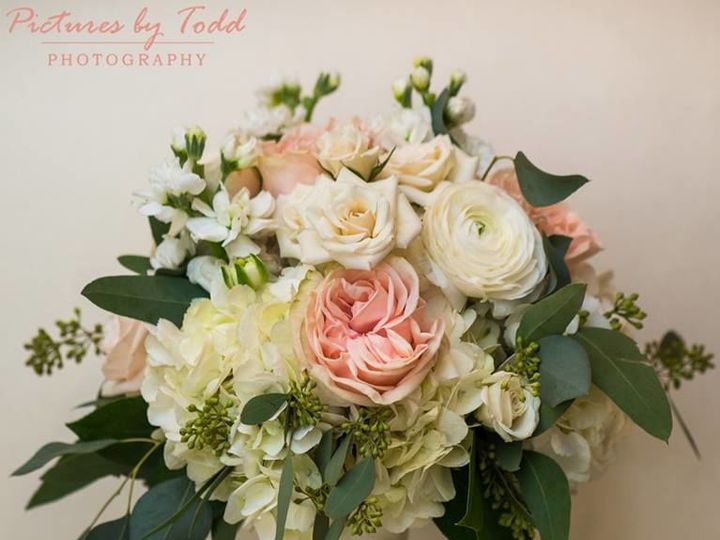 Tmx 1533824110 0dfff10a31c18384 1533824109 3afa9770482e9a17 1533824106908 7 Garden Roses Hydra Norristown, Pennsylvania wedding florist