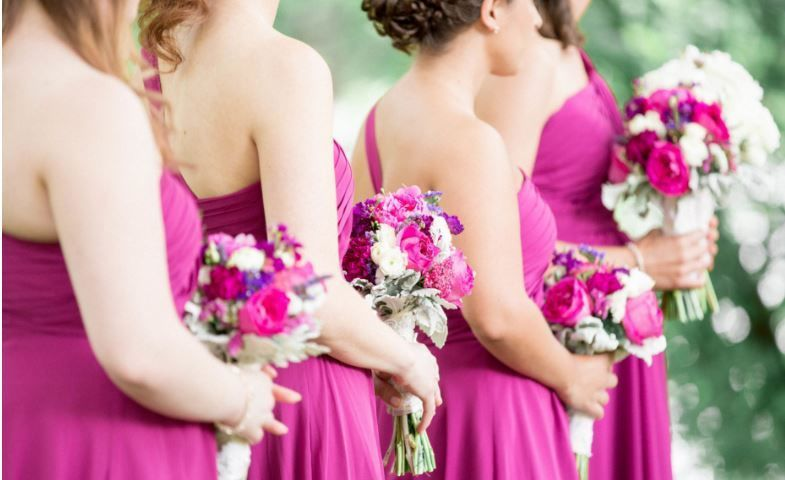 b20c8eb488230629 1519743610 7ba3f118434fdfad 1519743826849 2 bridesmaids bouque