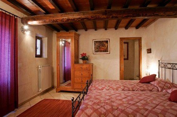 Bedroom, villa Faltignano