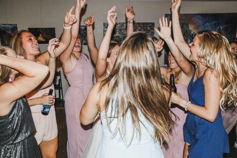 Dancing Crowd!