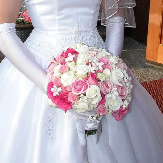 800x800 1309553908189 Laurabridals03 1309553949622 Weddingflowersbouquets3
