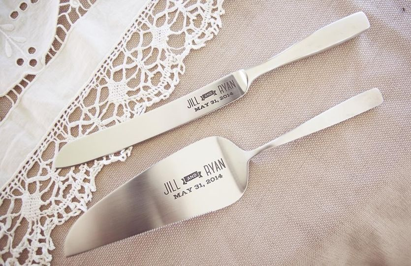 Customized knife and server for cake cutting and keepsake