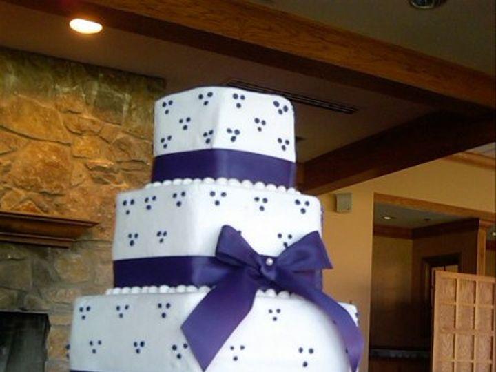 Tmx 1293540356557 Picbb007 Lapel wedding cake