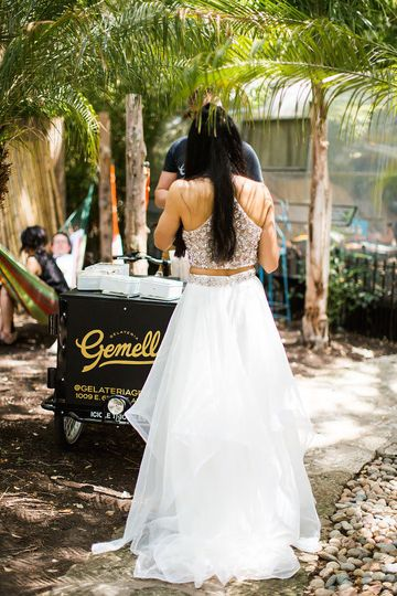 Bride by the gelato cart