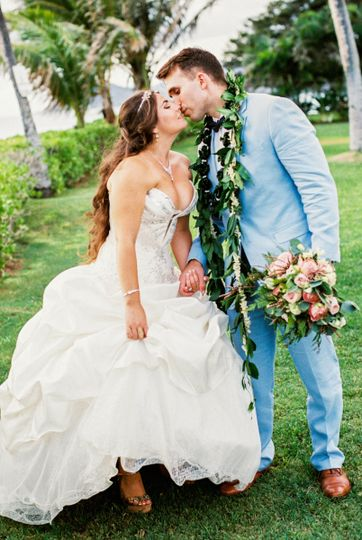 Alex + Shawn tying the knot *shot by their fav photographer: Brandi of Alexis June Weddings