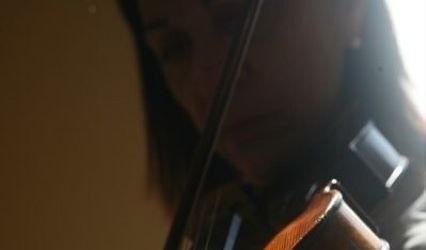 Laurie Vodnoy-Wright violinist 1