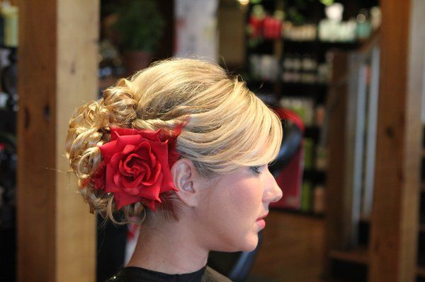 800x800 1328109909225 weddinghair024