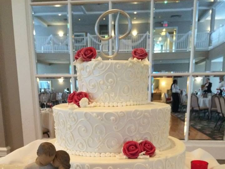 Tmx 1459908636810 Red And White With Roses Belmar, New Jersey wedding cake