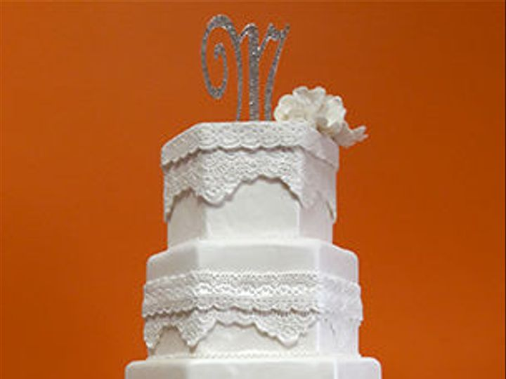 Tmx 1519055537 10ee23e363084161 1519055536 Dccec82f8800e4ea 1519055533399 4 LaceBrooch Houston, TX wedding cake