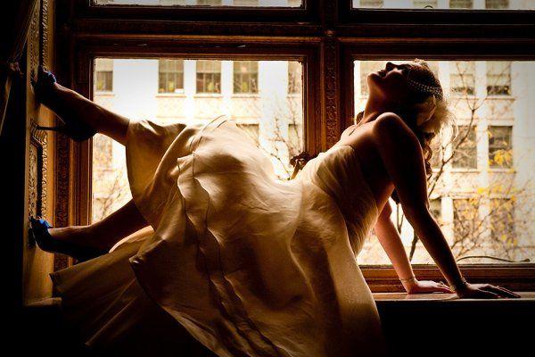 Cincinnati Club window sill Wedding Photography.