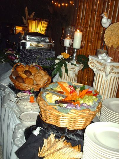Assorted buffet hor s'eouvres