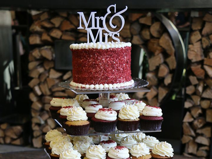Tmx 1530117103 1fd80b21ea46e15a 1530117101 726d6faff8a2d8dc 1530117230993 4 Cake San Diego, California wedding catering