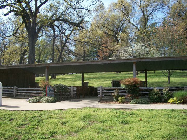 The Picnic Pavilion is available for smaller weddings of up to 60 people.