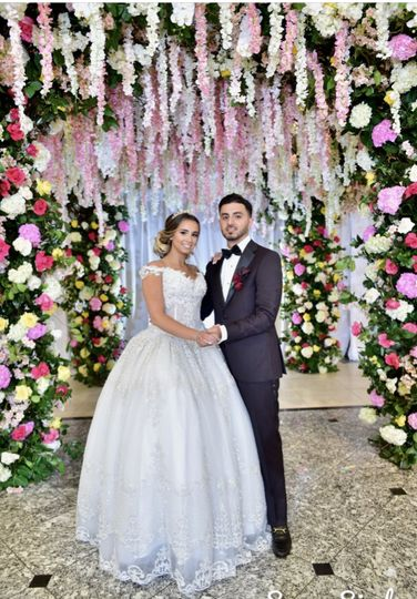 Newlyweds and floral decor