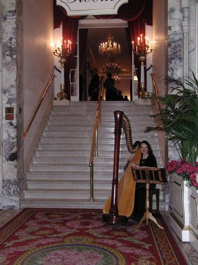 Greeting your guests with a Harpist