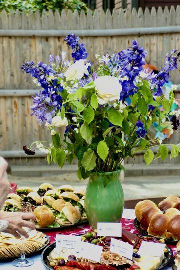 Lavender and roses flower arrangement