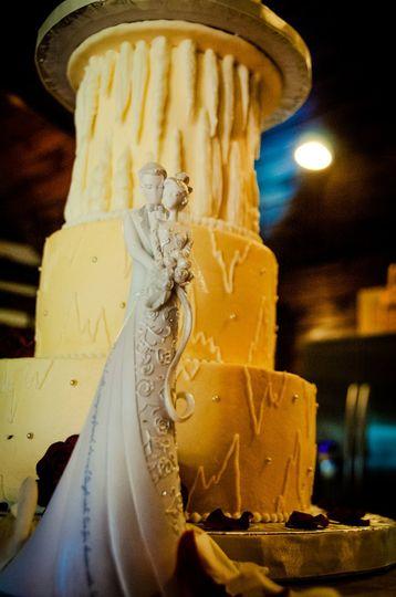Cake Panache Luray Caverns Wedding