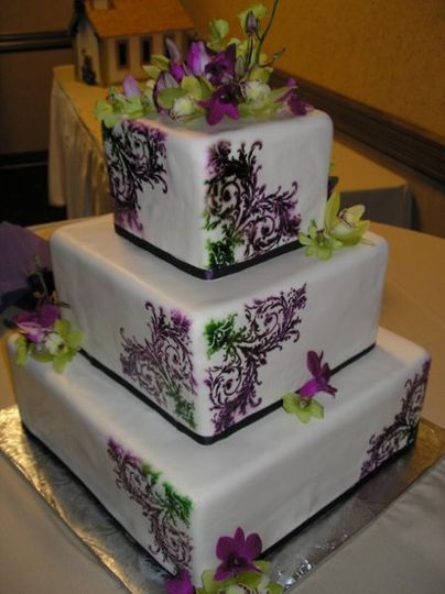 green bay wedding cakes monzu bakery amp custom cakes bistro wedding cake 14966