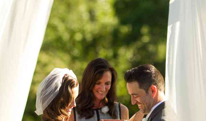 Stevi Hanson Wedding Officiant