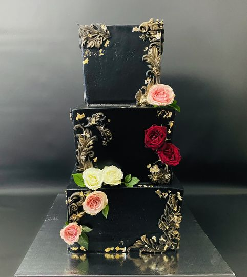 Black & Gold Lux