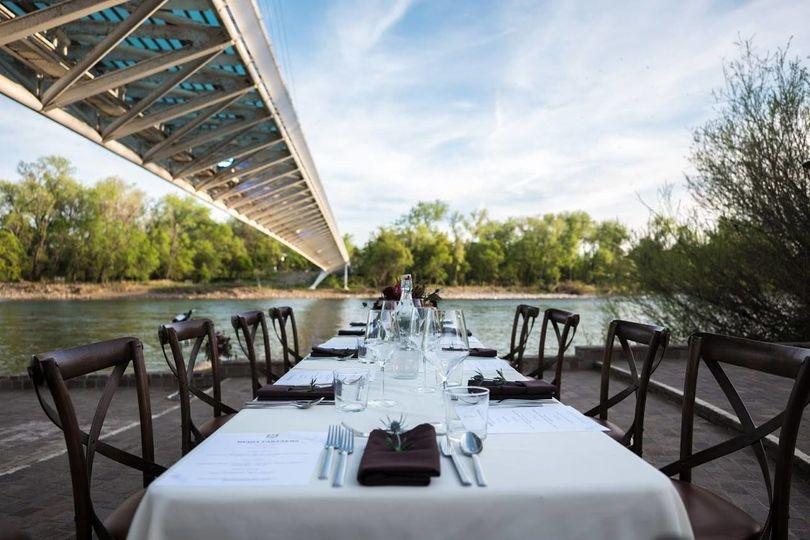Table setting-Dinner under the Bridge