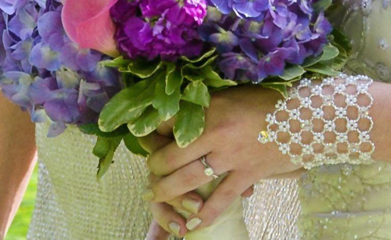 Pearl, silver Czech glass and Swarovski pear pendant bracelet.