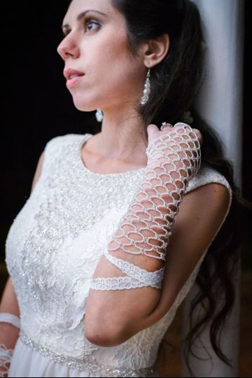 Stunning and unique beaded finger loop gloves.  No fabric backing! Structure is made with pearl...