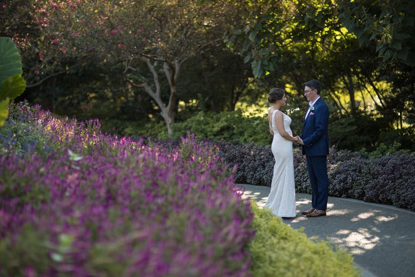 Sneak Away Romantics, Bride and Groom, at the Botanical Gardens