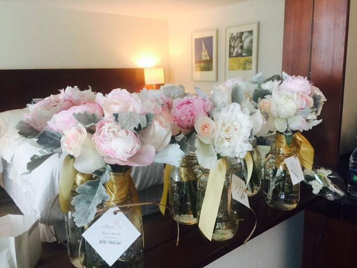 Tmx 1507659506399 1852790315286777638324977987643707635790283n Braintree, MA wedding florist