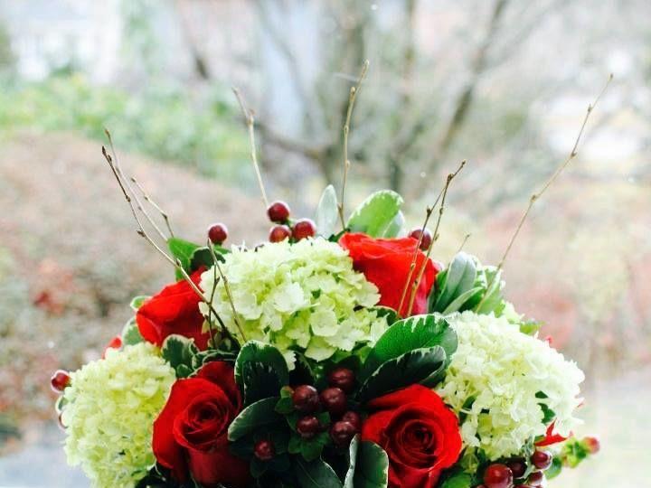 Tmx 1521249787 513452c7ff32d9f8 1521249786 757497e811f20542 1521249788080 7 Christmas   Square Braintree, MA wedding florist