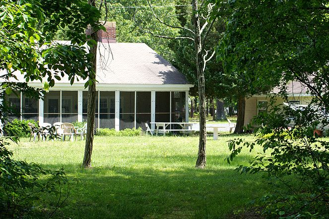screened porch 51 1027065