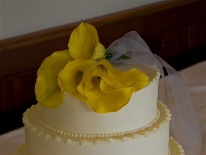 Tmx 1303843232342 YellowFlower.jpg Waterbury Center, VT wedding cake