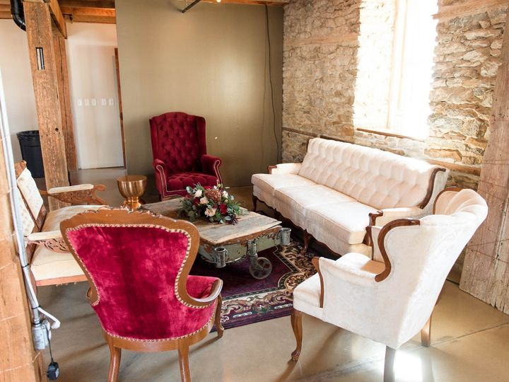 Tmx Tina Chris Wedding 469 51 791165 1571512444 West Branch, IA wedding rental