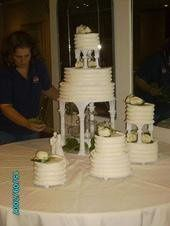 Wedding cake with 8 cakes