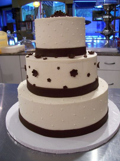 wedding cake bc 3 tier w choc flwrs front