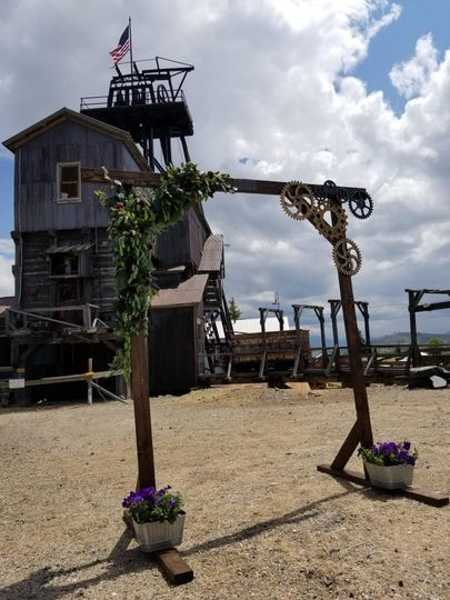 Upper Mine Yard