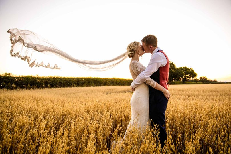 stock farm wedding barn photographer 51 1047165