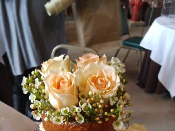 Tmx 1475165588402 D98e2d353c034f72de8ce10f90b7db90 Jeffersonville, IN wedding cake