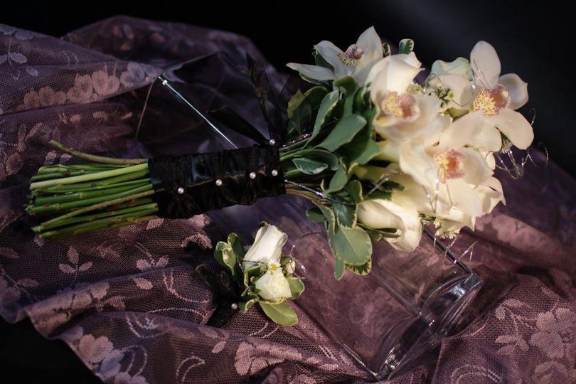 The elegance of a wintery evening wedding
