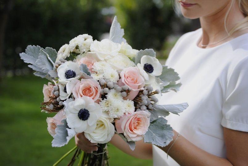 kukka diy wedding flowers los angeles ca weddingwire. Black Bedroom Furniture Sets. Home Design Ideas
