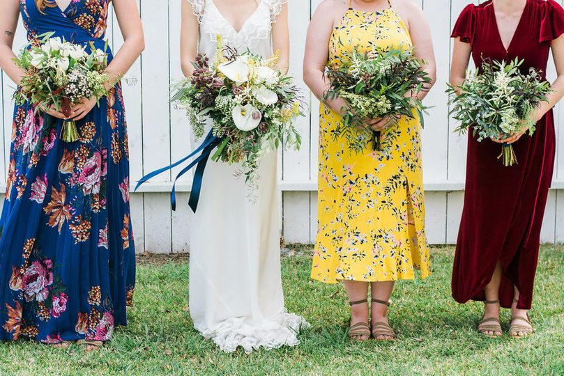 Wild and unique wedding bouquets - royal bee florals and events