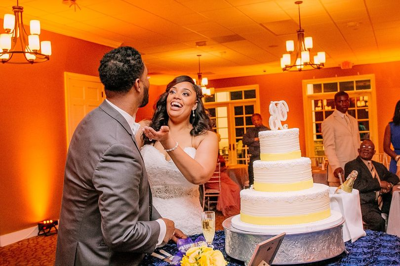 Wedding cake   Images by Fatima