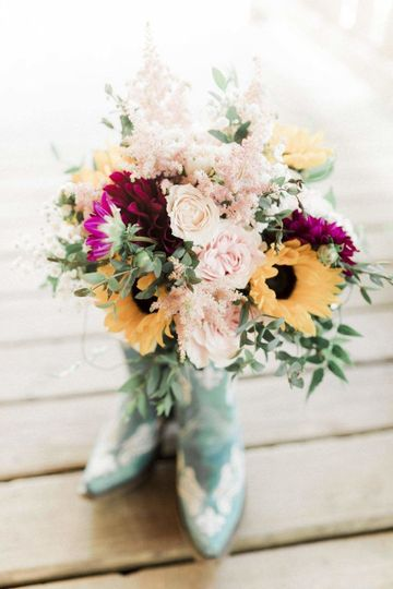 The perfect country wedding bouquet