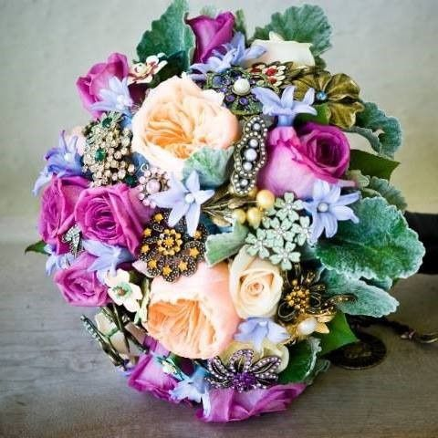 custom brooch and buds bouquet 51 361365 1558139667