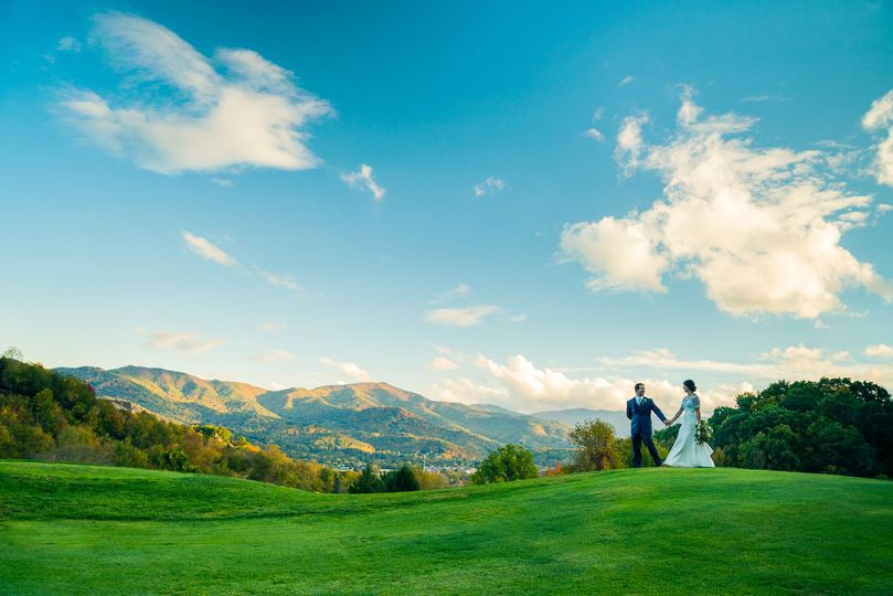 Newlyweds on the course grounds