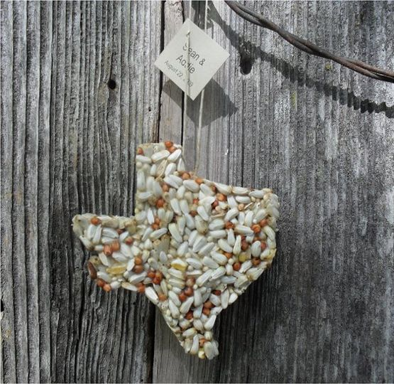 Texas shaped wedding favors for the birds!