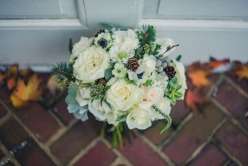 Winter Wedding, Shenandoah Valley. Old Town Winchester, Virginia. Design Studio: Love Flowers...