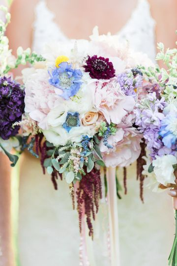 Cascading Bouquet. Credit: Hay Alexandra Photography.