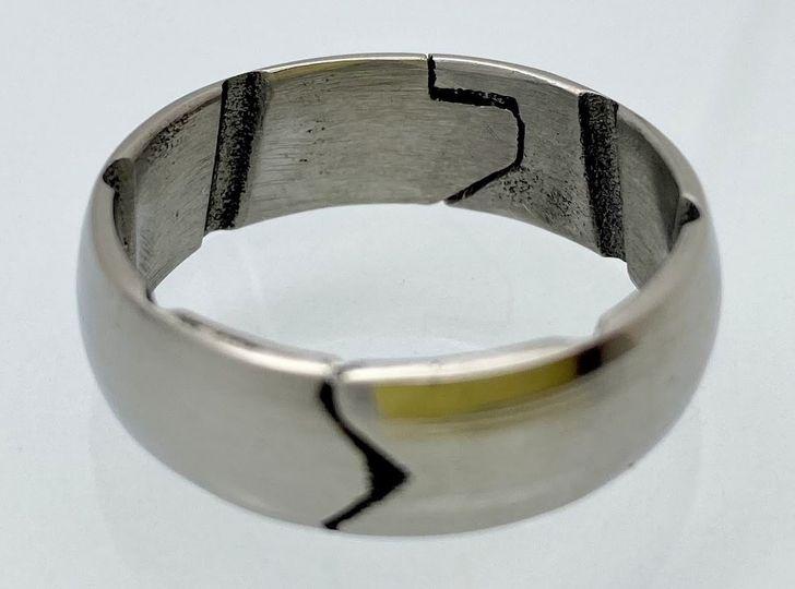 Closed titanium ring